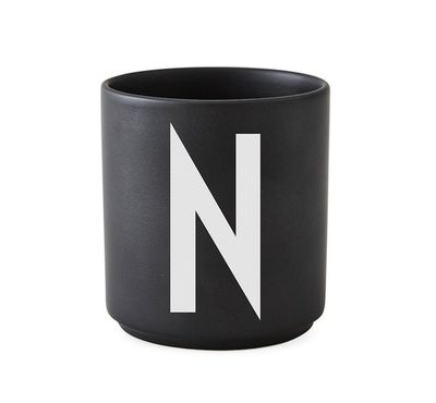 design letters favourite favorite cup beker mok black zwart N tykky keuken servies accessoires woonaccessoires